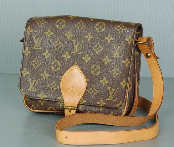 8d65ec61984 CARTOUCHIERE MM. Sac cartouchière MM Louis Vuitton.